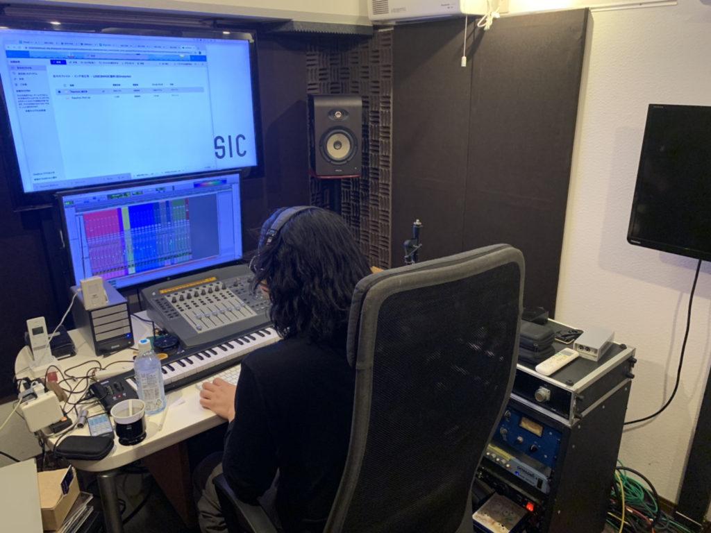 御茶ノ水のボイスレコーディングスタジオ,ミックスマスタリング中のコントロールルーム