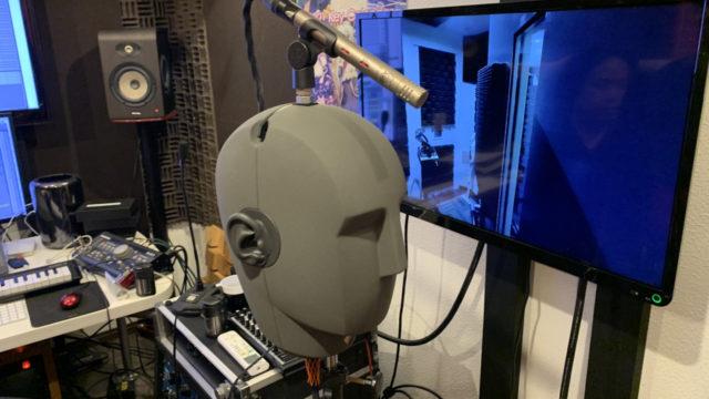 立体音響フォーリーサウンドのレコーディングで使用するバイノーラルマイクKU100