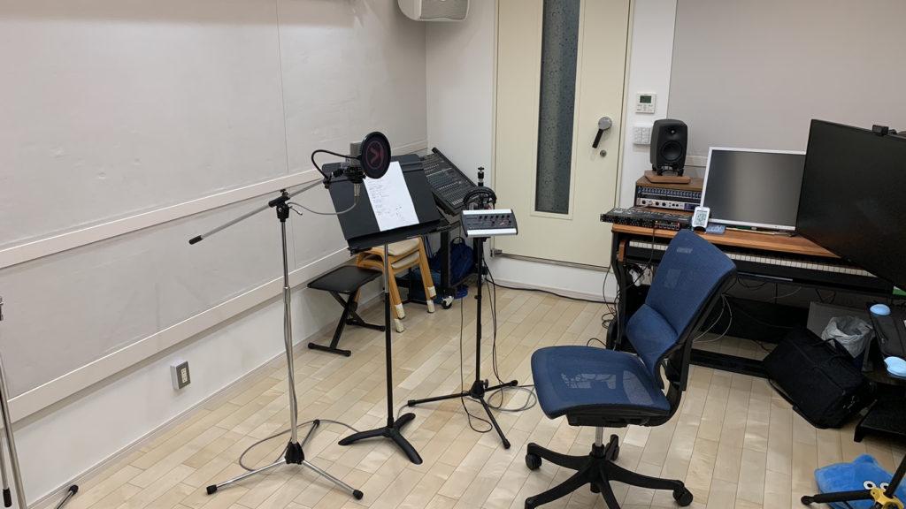 綱島スタジオはエアコン空調や換気扇も無音仕様で、環境ノイズの対策も完璧に整えています!